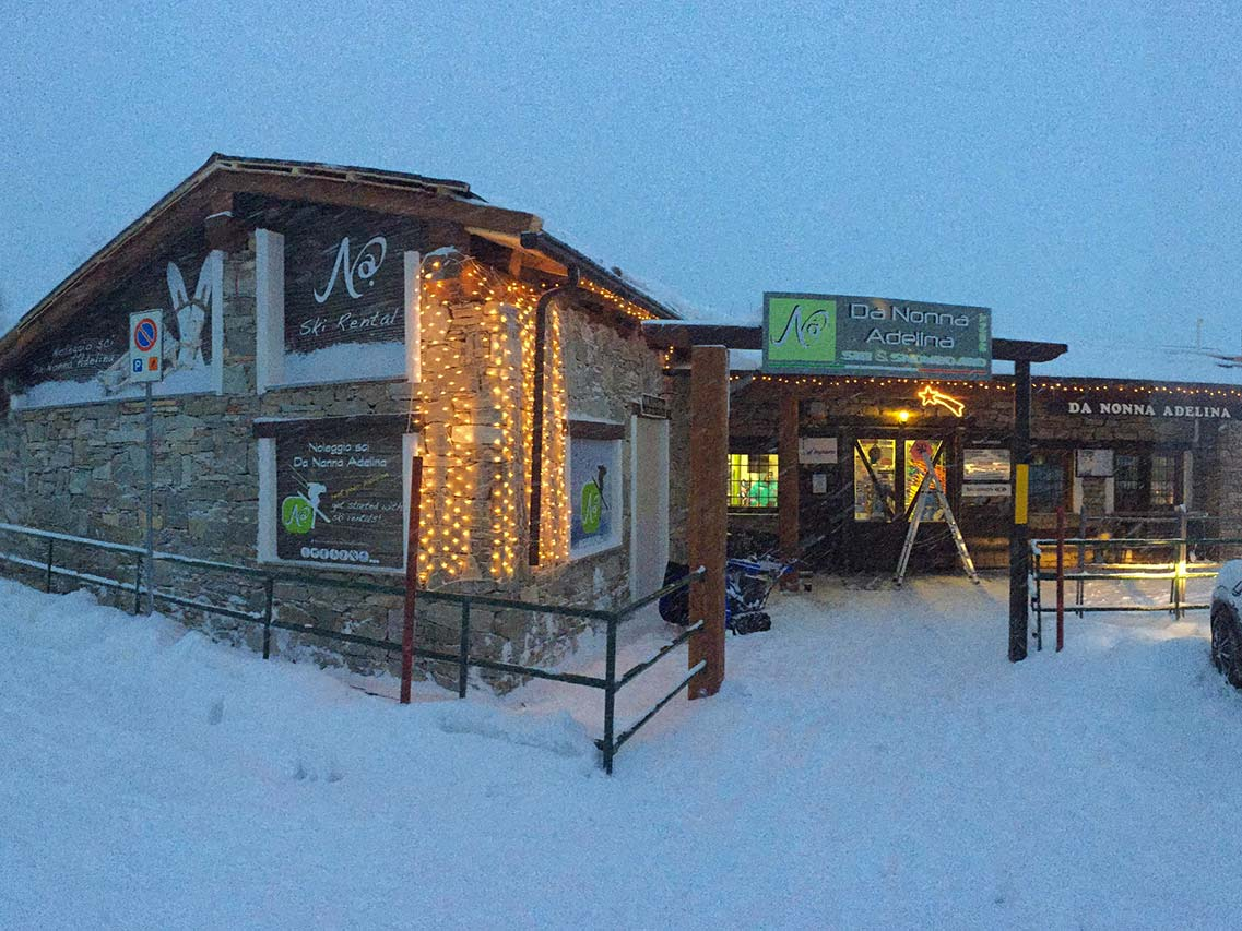 Sestriere noleggio sci Nonna Adelina